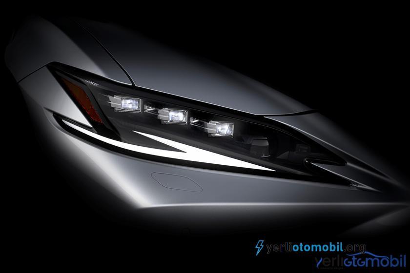 2021 Lexus ES Şaşırtıcı ve Bomba Gibi Geliyor