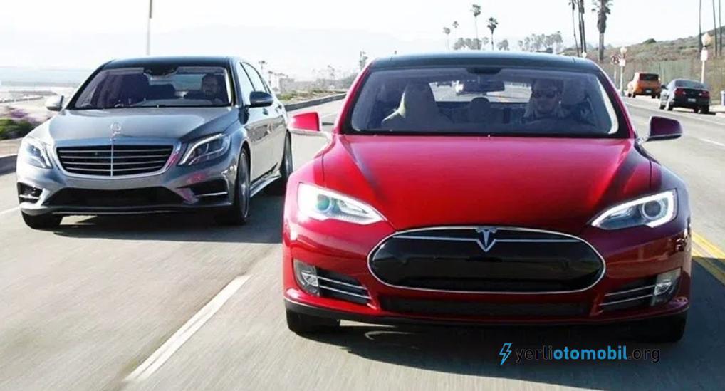 Mercedes sesli asistanı Tesla hakkındaki soruya zekice bir cevap verdi
