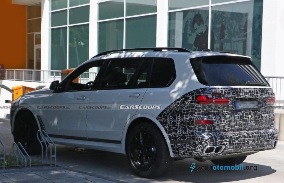 2022 BMW X7 kamuflajlı olarak görüntülendi!