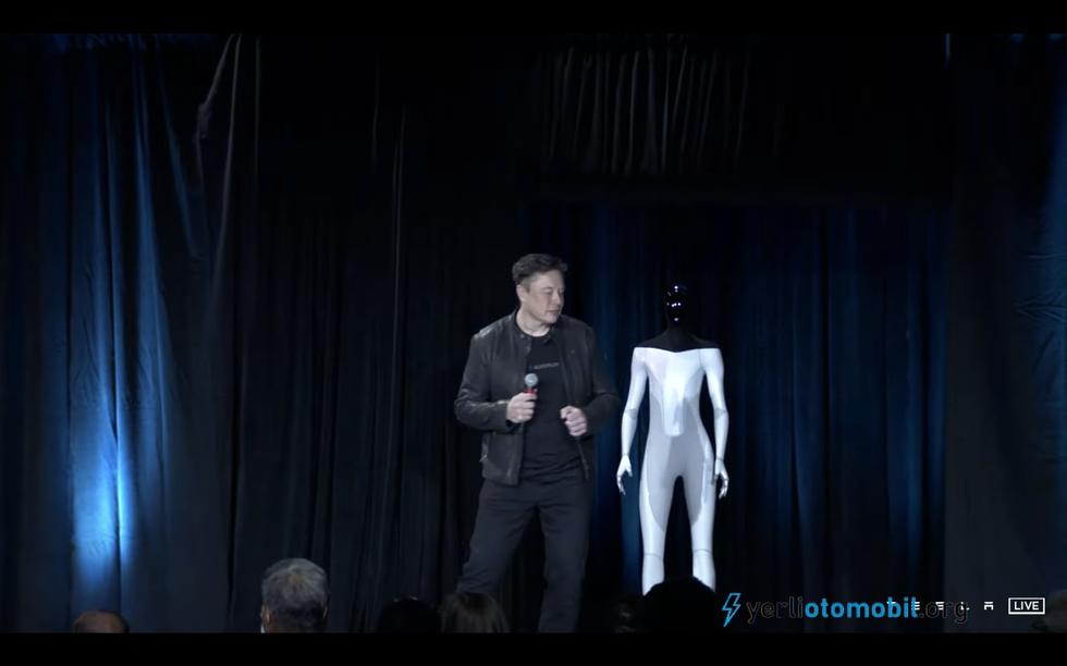 Tesla Cybertruck çıkış tarihi hakkında ipucu verdi!